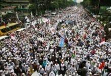 Silang Monas Padat, Massa Aksi Damai Terus Bergerak dari Bundaran HI