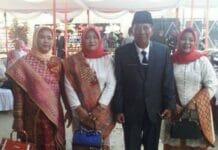 Sejumlah Anggota DPRD Bawa 3 Istrinya Saat Pelantikan